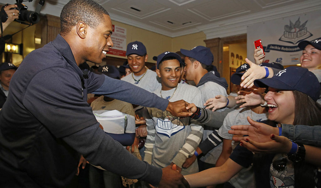 2009 - AN EIGHT-YEAR STRETCH OF NEW YORK BALL, inspires Curtis to expand Grand Kids programming into the NY metro area, and into the international space through his MLB Ambassadorship.